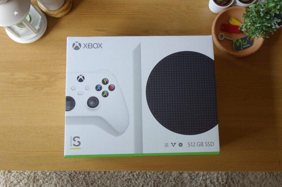 Xbox-Series-S-1-scaled-e1603884129433-920x612.jpg